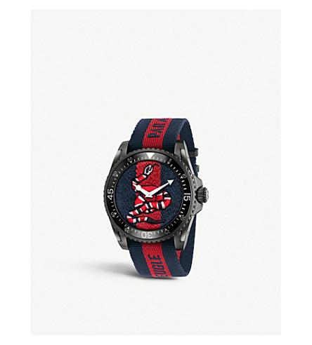 GUCCI YA136214 Gucci 潜水不锈钢和尼龙手表