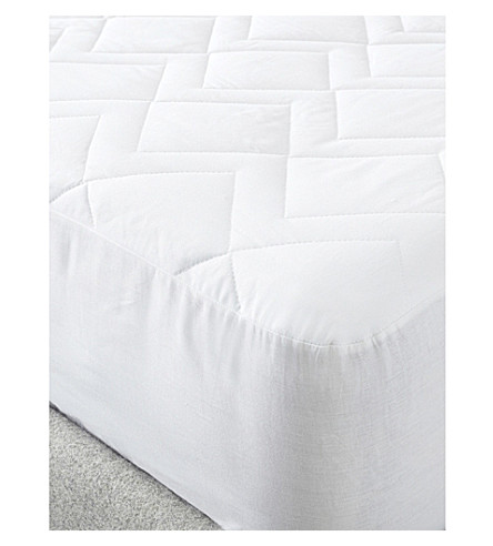 THE WHITE COMPANY Luxury anti-allergy mattress protector king (White