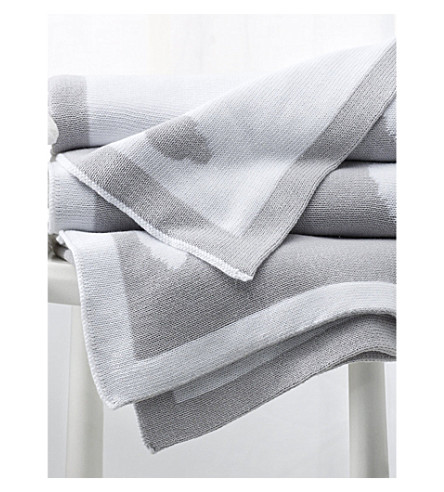 THE LITTLE WHITE COMPANY Reversible cloud blanket