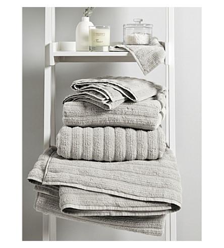THE WHITE COMPANY Hydrocotton super jumbo towel (Pearl+grey