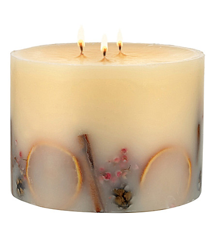 THE WHITE COMPANY Winter 3-wick botanical pillar candle (No+colour