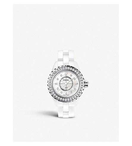 CHANEL H2572 J12 29mm 钻石高科技陶瓷, 珍珠母和钻石手表