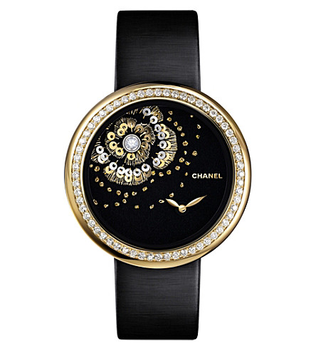 CHANEL H3822 Mademoiselle Privé Camélia 18ct gold and diamond watch