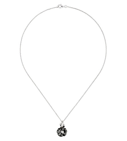 CHANEL Camélia Galbé 18K white gold, diamond and black ceramic pendant