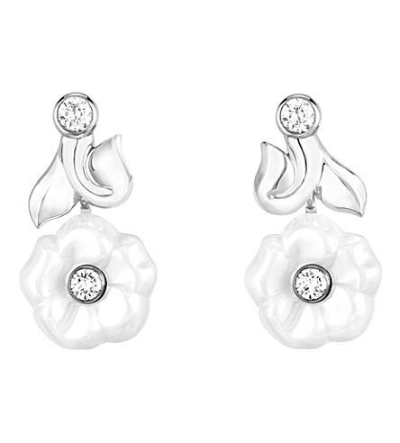 CHANEL Camélia Galbé 18K white gold, diamond and white ceramic earrings