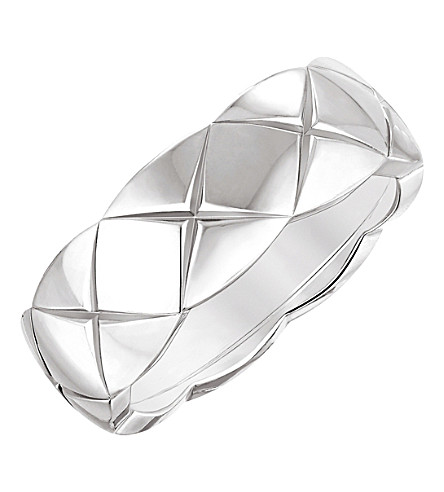 CHANEL Coco Crush 18K white gold ring. Small version