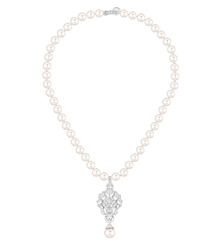 CHANEL Lion 18K white gold, diamond and cultured pearl necklace