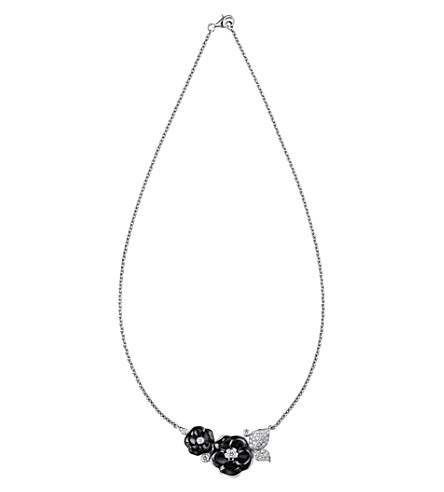 CHANEL Camélia Galbé Bouquet 18K white gold and diamond necklace