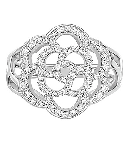 CHANEL Camélia 18K white gold and diamond ring