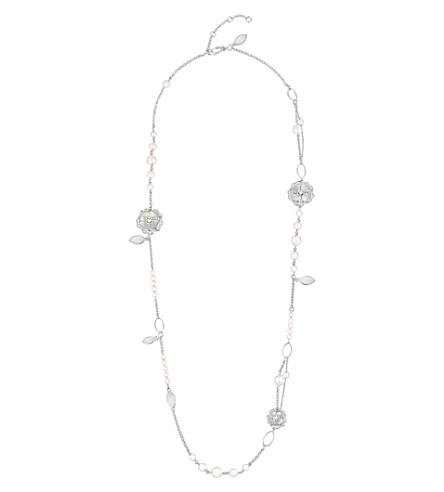 CHANEL Bouton de Camélia 18K white gold, cultured pearls, mother of pearl and diamond necklace