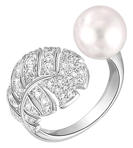 CHANEL Perle Plume 18K white gold, cultured pearl and diamond ring