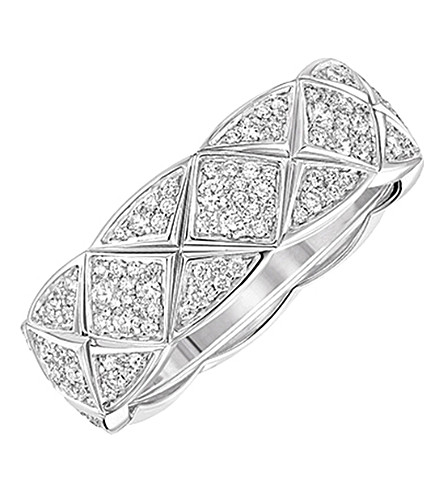 CHANEL Coco Crush 18K white gold and diamond ring. Small version