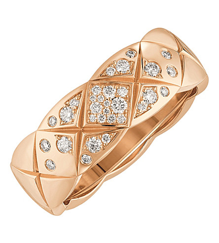 CHANEL Coco Crush 18K beige gold and diamond ring. Small version