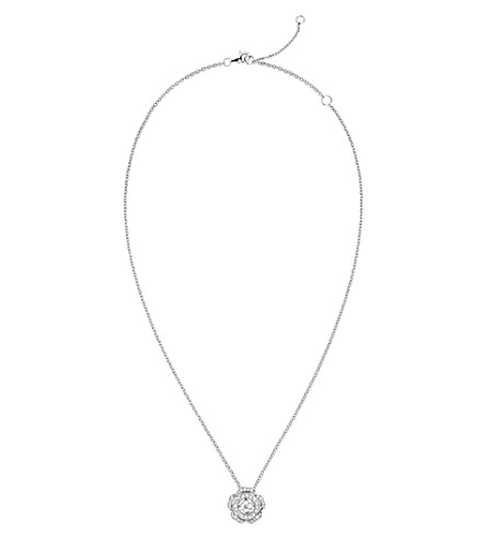 CHANEL Camélia 芽18K 白金和钻石项链