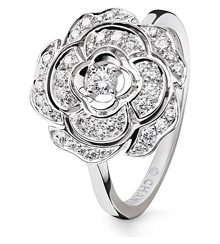 CHANEL Camélia bud 18K white gold and diamond ring