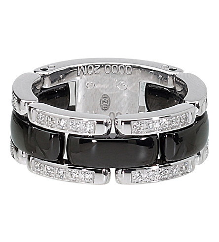 CHANEL Ultra 18K white gold, black ceramic and diamond ring. Medium version