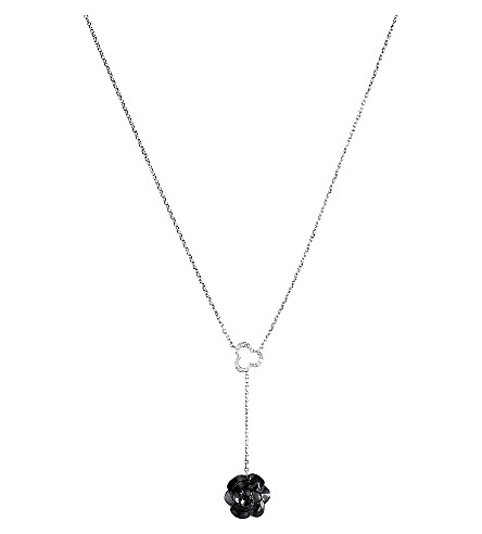 CHANEL Camélia 18K white gold, onyx and diamond necklace