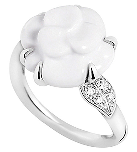 CHANEL Camélia 18K white gold, white agate and diamond ring