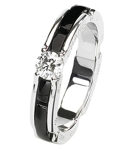 CHANEL Ultra 18K white gold, black ceramic and diamond ring