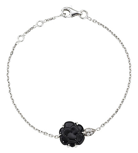 CHANEL Camélia 18K white gold, onyx and diamond bracelet