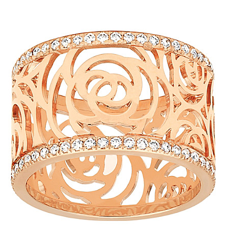 CHANEL Camélia 18K pink gold and diamond ring. Large version