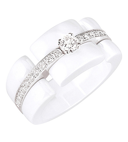 CHANEL Ultra 18K white gold, white ceramic and diamond ring. Large version
