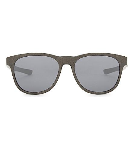 OAKLEY Oo9315 纵梁方框太阳镜 (灰色