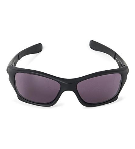 OAKLEY Pit Bull wraparound sunglasses