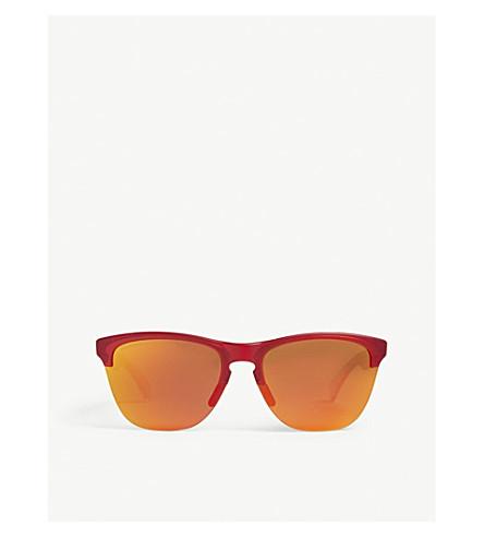 OAKLEY Frogskins® Lite round-frame sunglasses (Translucent+red