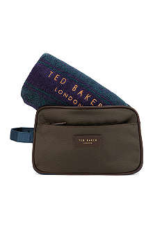 TED BAKER Fenner towel and wash bag set
