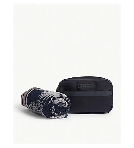 TED BAKER Holyay wash bag and towel gift set (Navy