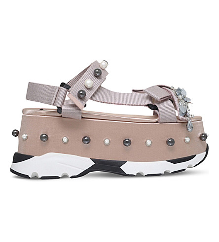 NO 21 Runway embellished silk flatform sandals (Nude