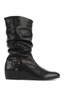 STUART WEITZMAN Gathering leather boots