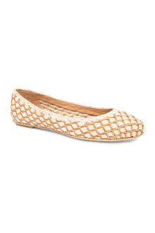 FERRAGAMO Seraphine woven leather pumps