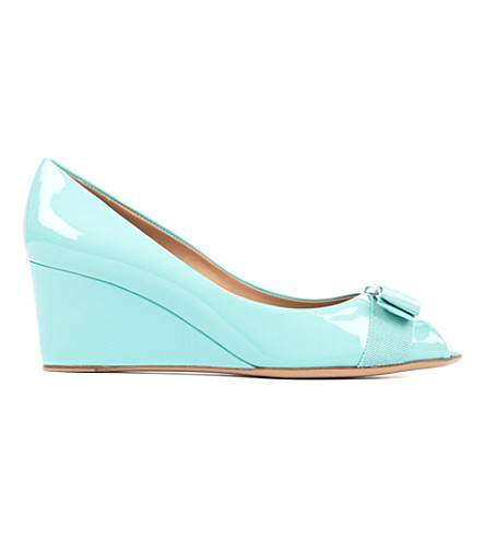 FERRAGAMO Sissi patent leather wedge courts (Turquoise