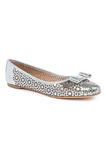 FERRAGAMO Shelly metallic leather pumps