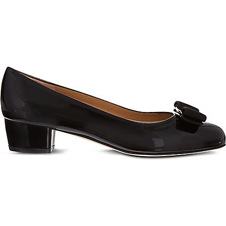 FERRAGAMO Vara patent leather courts (Black