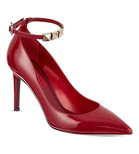 VALENTINO Patent leather courts with stud detail (Red
