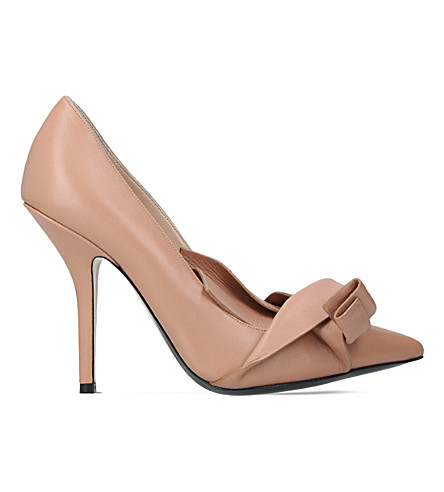 NO 21 Tie knot leather courts (Nude