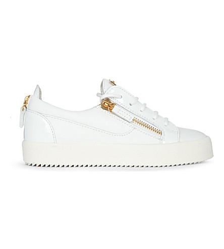 GIUSEPPE ZANOTTI 雄鹿低帮皮革运动鞋 (白色