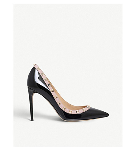 VALENTINO Rockstud 100 patent-leather courts (Blk/beige
