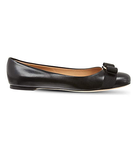SALVATORE FERRAGAMO Varina leather pumps (Black