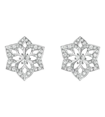BOUCHERON Pensée de Diamants 18ct 白金色耳环