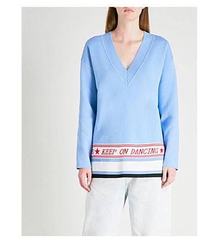 SANDRO Text-embroidered V-neck knitted jumper (Bleu+ciel