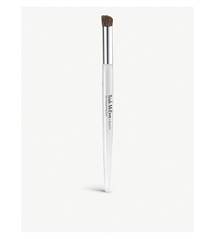 TRISH MCEVOY Brush 68 Everything Eye