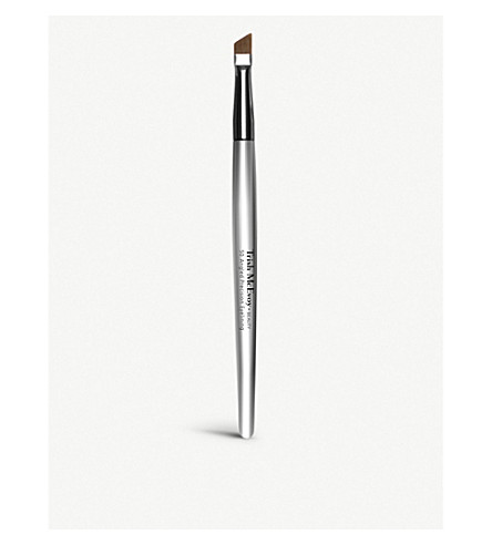 TRISH MCEVOY Brush 50 Angled Eye Lining