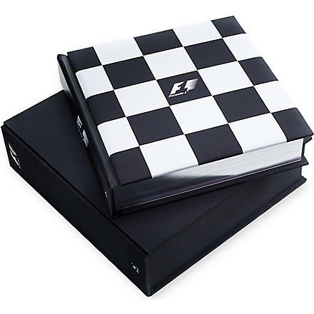 WH SMITH The Official Formula 1 Opus