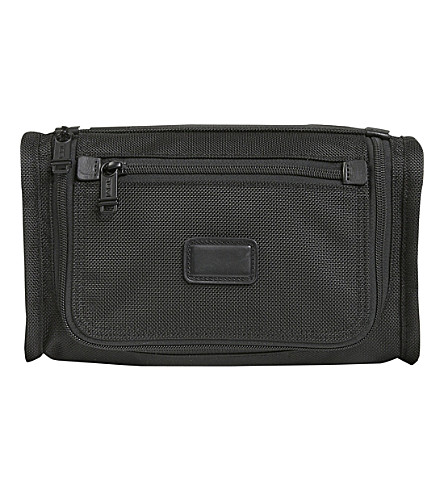 TUMI Alpha 2 wash bag (Black
