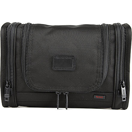 TUMI Alpha hanging travel kit (Black