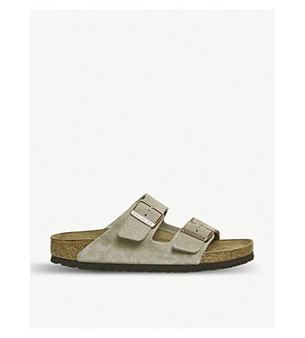 BIRKENSTOCK亚利桑那州麂皮绒凉鞋 (麂皮绒 + 皮革 + 痣